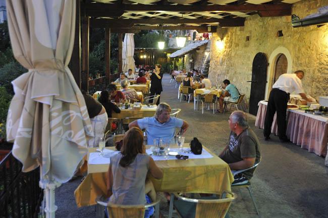 restoran-labirint-stari-grad-5
