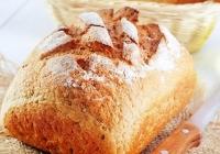 Kruh s orasima i heljdinim brašnom